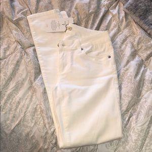 Cabi white skinny jeans, size 2